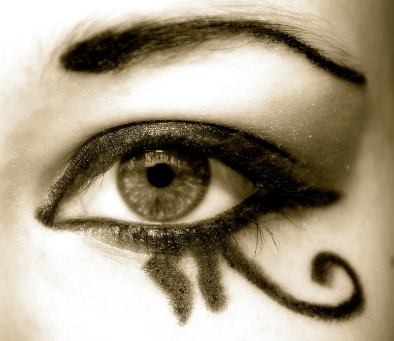 Eye_of_Horus_by_monikapedersen